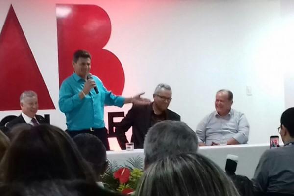 Presidente da Câmara de vereadores, José Teles de Mendonça prestigiou à inauguração do auditório e gabinete odontológico na regional da OAB/SE em Itabaiana.