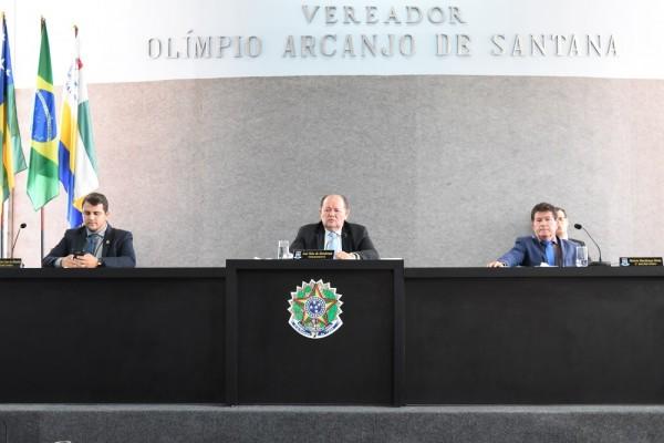 Projetos de subvenção de autoria do Poder Executivo são retirados de pauta a pedido do Líder do prefeito, vereador Marcos Oliveira