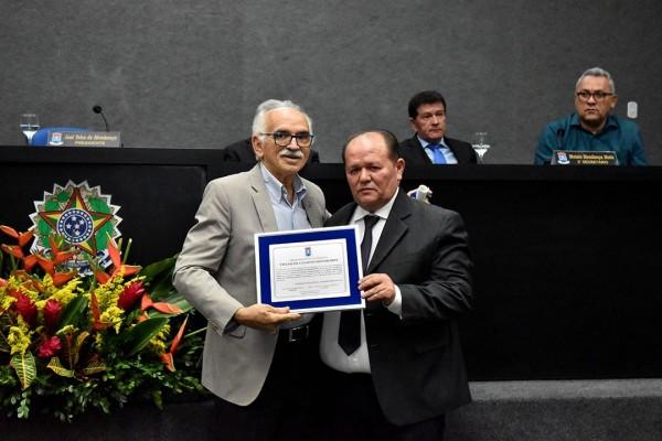 Câmara Municipal de Itabaiana realizou na última sexta-feira (08/12), Sessão Solene de entrega de Títulos de Cidadania Itabaianense.