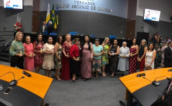 15 MULHERES ITABAIANESES FORAM HOMENAGEADAS NA HONRARIA HELEY DE ABREU