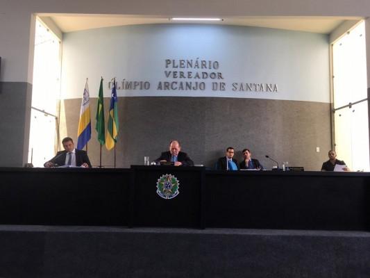 Vereadores cobram da prefeita interina Carminha Mendonça a reabertura do matadouro, conforme havia prometido durante sua posse