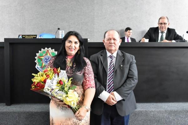 Vereador José Teles de Mendonça presta homenagem a todas as mulheres, através da colega vereadora Ivoni Andrade