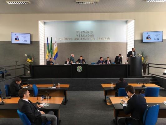 Durante a sessão do dia 07/08, vereadores voltaram a cobrar do governo o pagamento dos motoristas do transporte escolar