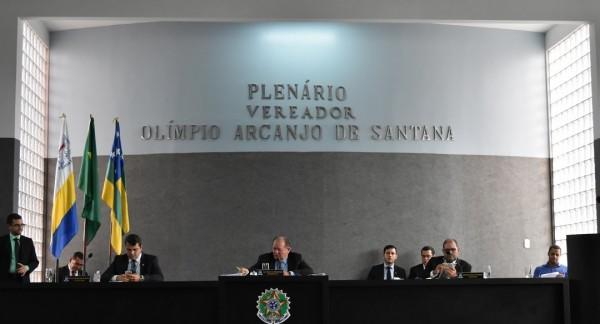 Vereadores da bancada de situação rebatem críticas da oposição em relação à nucleação de escolas no município