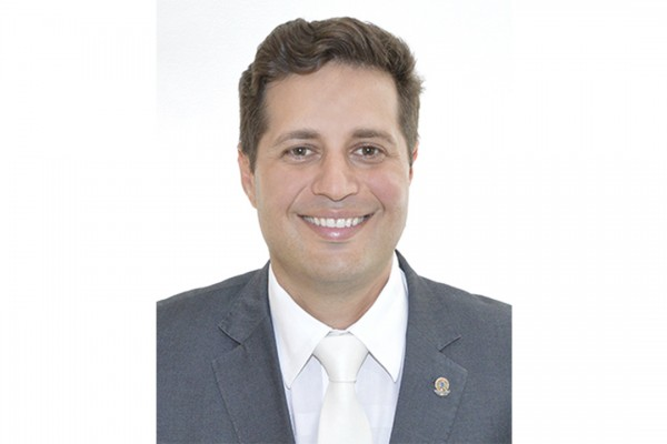 Foto do vereador Gustavo Américo Máximo Santana Costa